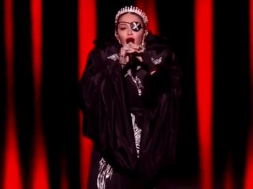 Eurovision 2019, Madonna live con Like a Prayer e Future – video