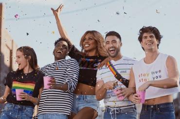 H&M lancia la PRIDE COLLECTION: il bellissimo spot con Laverne Cox – video