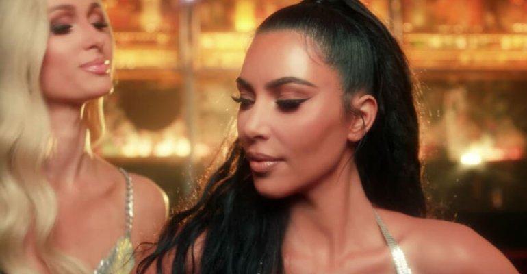 Best Friend's Ass di Paris Hilton, c'è Kim Kardashian nel video ufficiale