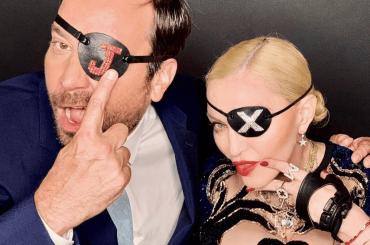 Madonna, Neon Dance Battle con Jimmy Fallon – video