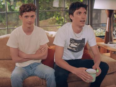 Troye Sivan presenta il fidanzato Jacob Bixenman, video