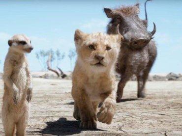 """Il Re Leone, Simba, Timon e Pumba cantano """"Hakuna Matata"""" – il video"""