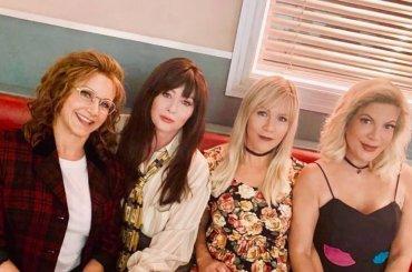 Beverly Hills 90210, lo spot con tutte le protagoniste – video