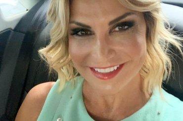 Simona Ventura omaggia Gimme More di Britney Spears, il video social