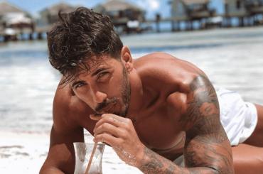 Ivan Gonzalez, nudo social – la foto