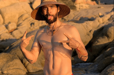 Jared Leto in costume, le foto social