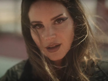 "Lana Del Rey, super video da 9 minuti con ""Fuck It I Love You"" e ""The Greatest"""