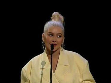 Christina Aguilera canta Reflection di Mulan 21 anni dopo, il video