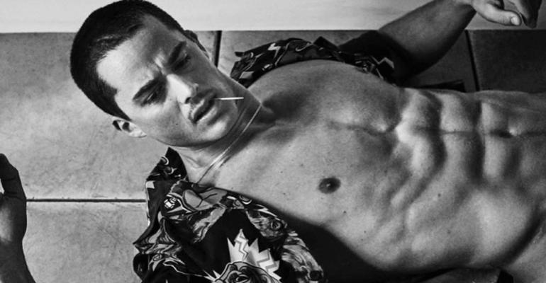 Pietro Boselli nudo, è pelo pubico social – le foto