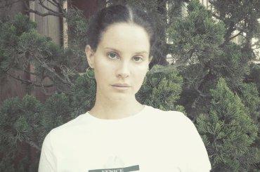 Lana Del Rey sogna un album acustico di COVER
