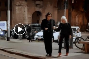 A Raccontare comincia tu, lo spot di Raffaella Carrà con Renato Zero – video