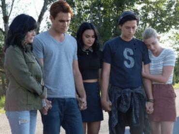 Riverdale, l'omaggio a Luke Perry con Shannen Doherty nella prima puntata della quarta stagione
