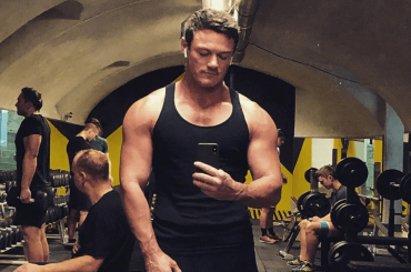 Luke Evans canta Love Is A Battlefield, il video ufficiale
