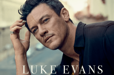 "Luke Evans, ecco perché ha realizzato la cover di ""If I Could Turn Back Time"" di CHER"