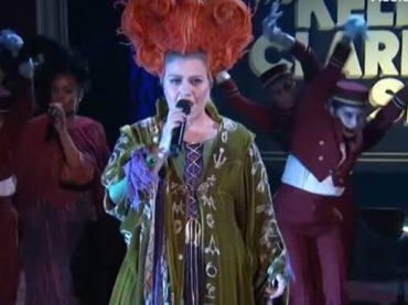 Kelly Clarkson omaggia Hocus Pocus cantando Nina Simone – video