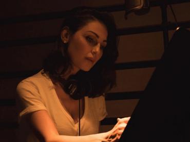 """Anna Tatangelo in studio di registrazione: """"ho voglia di cambiare, di arricchirmi di suoni, sperimentare"""""""