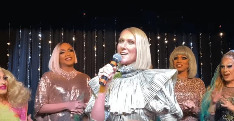 Celine Dion lancia il nuovo disco in un locale DRAG, il video