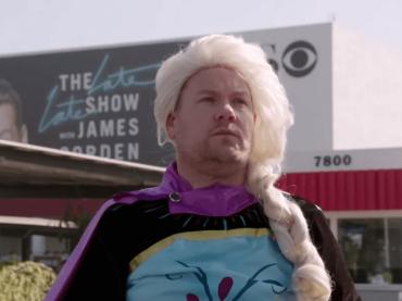 Frozen 2, James Corden dà vita a un musical sulle strisce pedonali – il video
