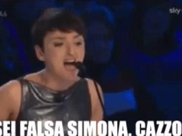 """""""Sei falsa Simona, cazzo!"""", 7 anni fa l'epocale sfuriata di Arisa – video"""