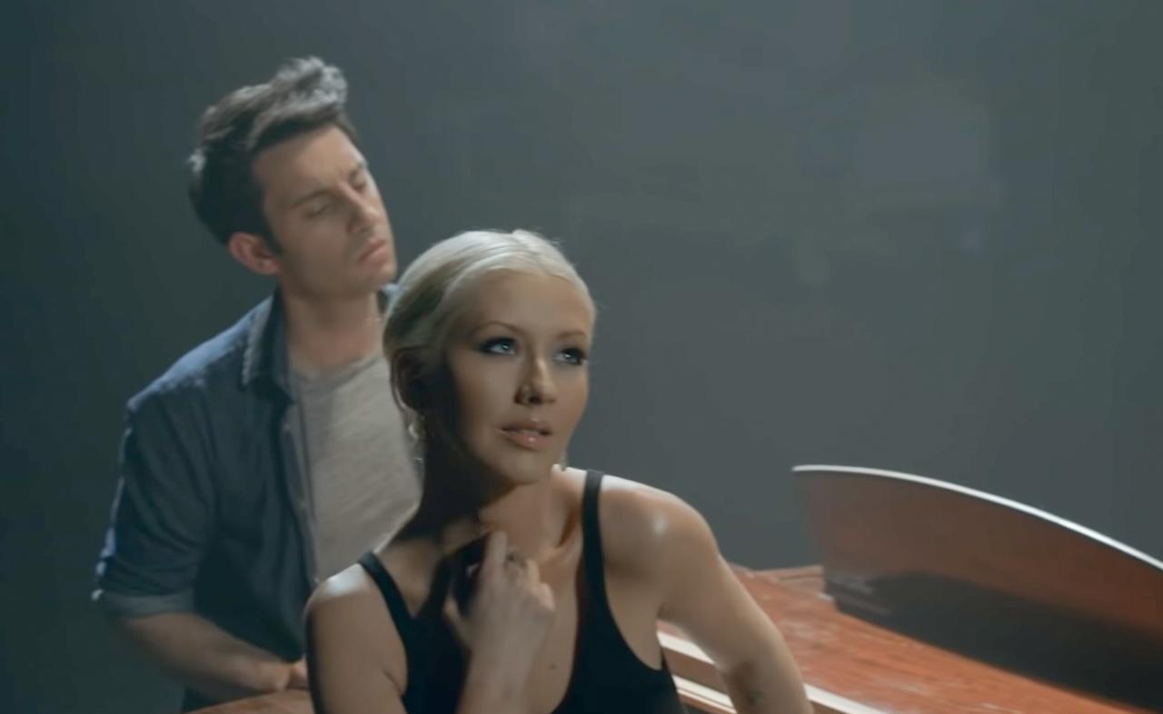 """canta sua Christina Bocelliecco Andrea """"Fall Aguilera la Y7fgvb6y"""