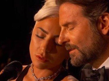 """Lady Gaga su Bradley Cooper: """"tutto finto, volevamo credessero che fossimo innamorati"""""""