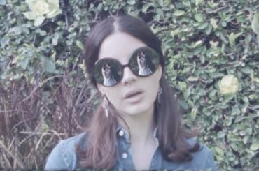 Lana Del Rey lancia 3 video in uno – ecco Norman Fucking Rockwell, Bartender e Happiness is a butterfly