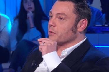Tiziano Ferro in lacrime a Domenica In nel ricordare come ha conosciuto Victor – video