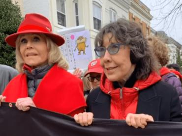 Come Grace and Frankie, Lily Tomlin protesta insieme a Jane Fonda: ARRESTATA