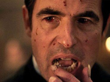 Dracula, la miniserie dei creatori di Sherlock su Netflix dal 4 gennaio – il teaser