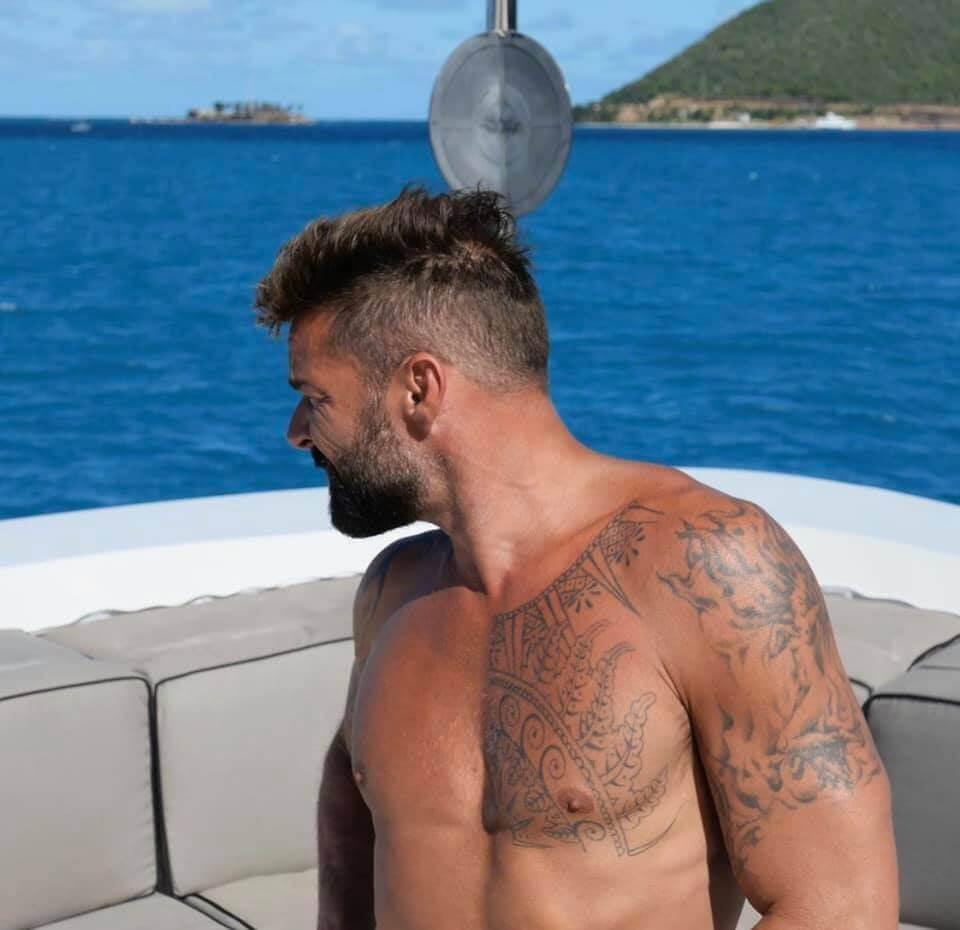 Ricky Martin mostra il fisichetto su Instagram - foto
