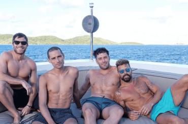 Ricky Martin e Jwan Yosef in vacanza con una coppia di gnagni, le foto social