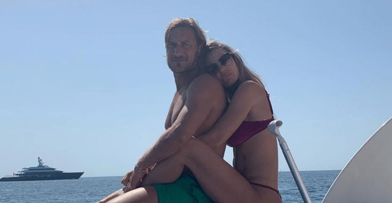 Francesco Totti in formissima, le foto social in costume dalle Maldive