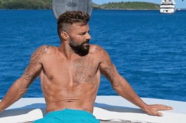 Ricky Martin in costume, le foto social da sballo