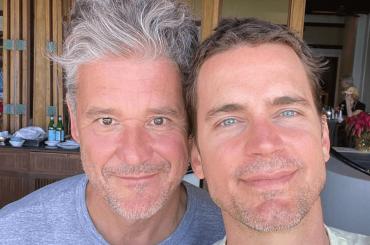 Matt Bomer, suo marito e i 3 figli – la splendida foto di inizio 2020