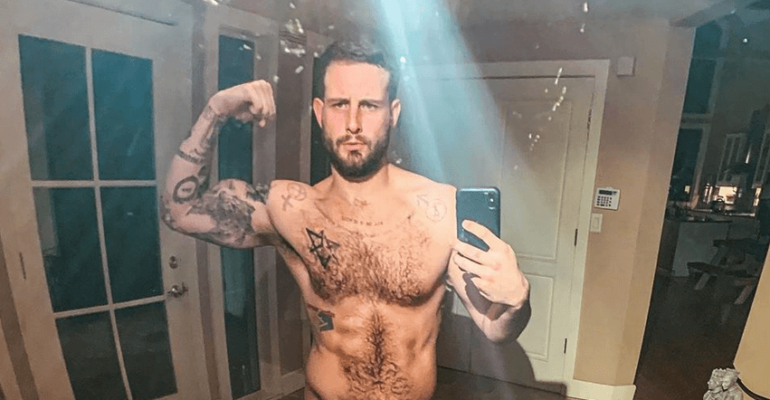 Nico Tortorella, primo nudo social del 2020 – foto