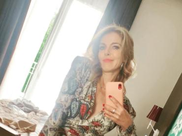 """Sanremo 2020, Claudia Gerini chiama al boicottaggio ma Platinette la smaschera: """"aveva presentato una canzone, scartata"""""""