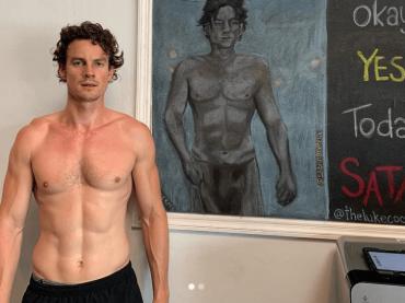 Le terrificanti avventure di Sabrina, Luke Cook è nudo – le foto