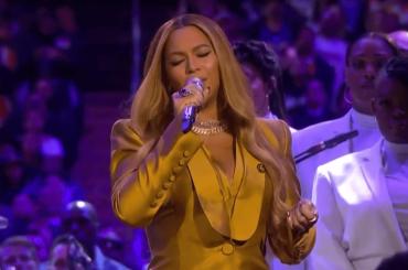 "Beyoncé canta ""XO"" e ""Halo"" per Kobe e Gianna Bryant, i video"