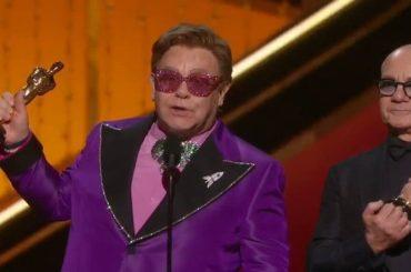 Elton John vince il suo secondo Oscar grazie a Rocketman – video
