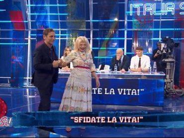 Sandra Milo cade in diretta a Italia Sì, il video