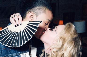Madonna, primo bacio social con Ahlamalik Williams – foto
