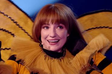 Il Cantante Mascherato UK, vince Nicola Roberts (che vuole una reunion con le Girls Aloud) – video