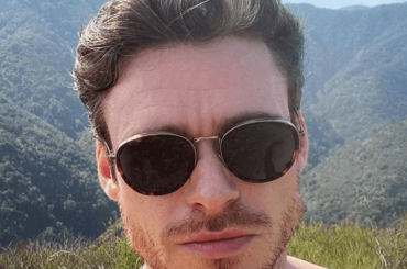 Richard Madden muscle bear, la foto che sbrodola i fan
