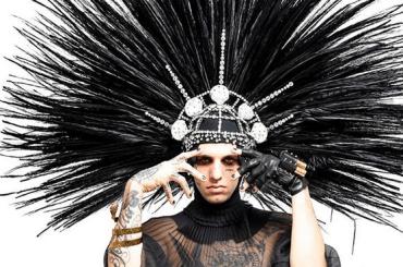 Achille Lauro è la Divina Marchesa Luisa Casati Stampa a Sanremo, foto e video