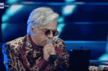 Sanremo 2020, Morgan canta insulti e Bugo abbandona il palco: squalificati – video