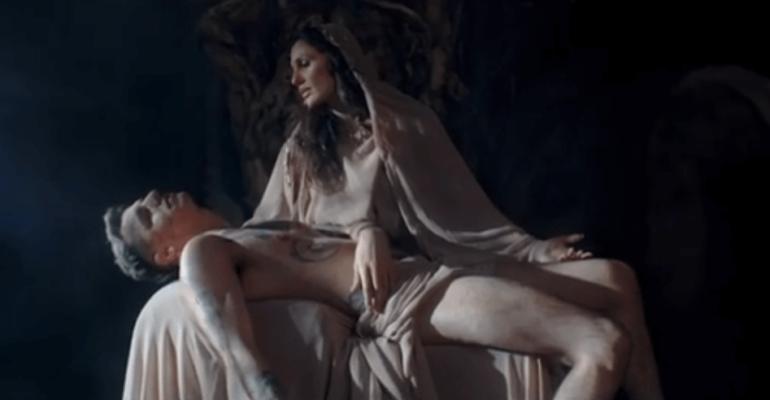 Achille Lauro come la Pietà di Michelangelo per il lancio del tour