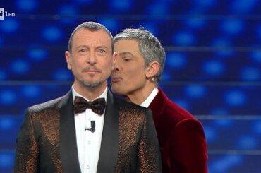 """Sanremo 2021, Fiorello su Amadeus: """"Mi ha già chiamato tre volte"""""""
