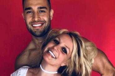 "Sam Asghari compie 26 anni, gli auguri di Britney Spears: ""Ti amo più di ogni altra cosa"""