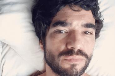 Caio Blat, è virale il pacco dell'attore brasiliano – foto