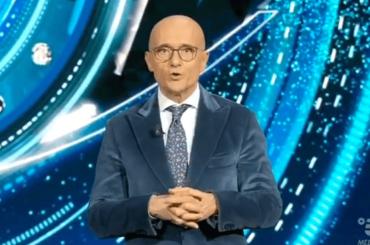 Dopo 18 puntate Signorini ce l'ha fatta: GF Vip 4 vince la serata Auditel